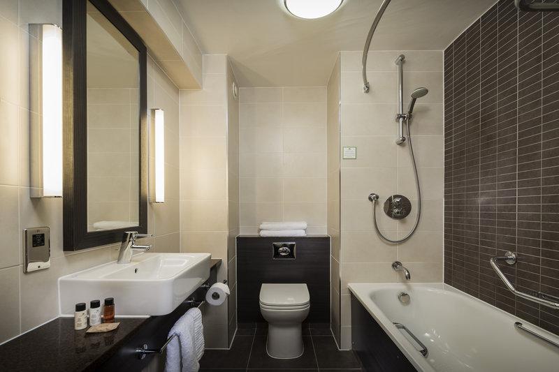 Holiday Inn London Gatwick - Worth-Bathroom Amenities<br/>Image from Leonardo