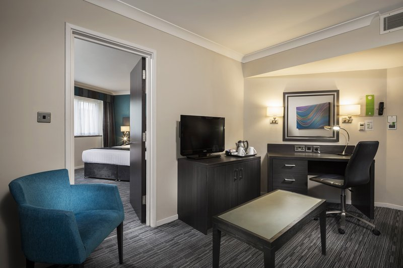 Holiday Inn London Gatwick - Worth-Junior Suite<br/>Image from Leonardo