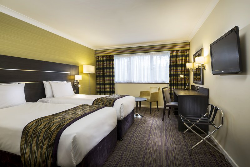Holiday Inn London Gatwick - Worth-Guest Room<br/>Image from Leonardo