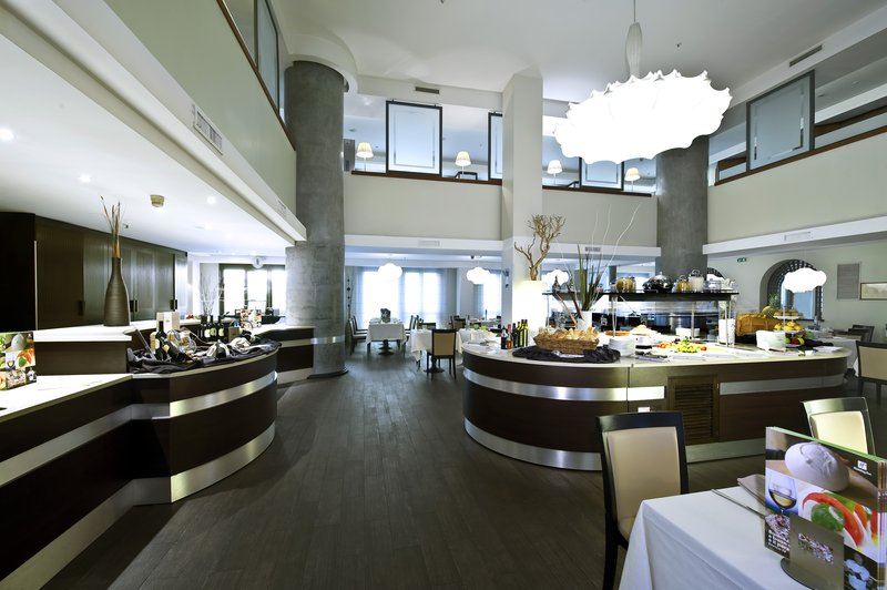 Holiday Inn Naples-Bistrot Napoli Restaurant with free Wi-Fi<br/>Image from Leonardo