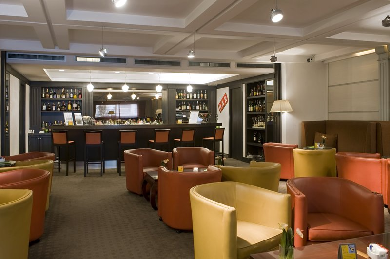Holiday Inn Naples-Bar and Lounge<br/>Image from Leonardo