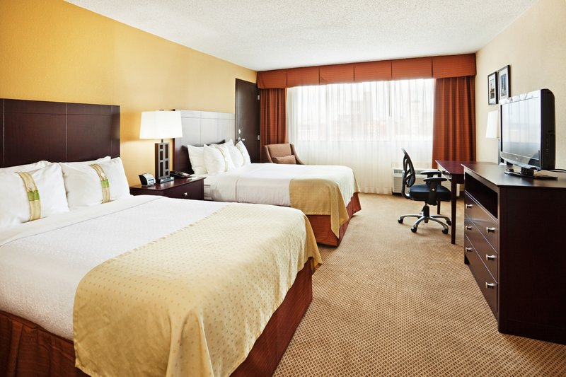 Holiday Inn Knoxville Downtown-Newly Renovated Contemporary Style Guest Room with Double Beds<br/>Image from Leonardo