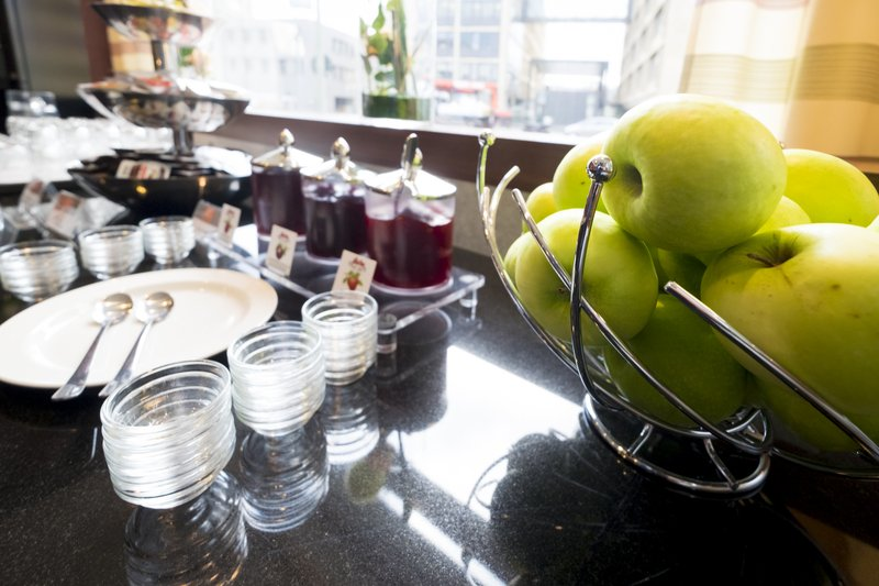 Holiday Inn Express Guetersloh-Fruity marmalades and crisp apples.<br/>Image from Leonardo