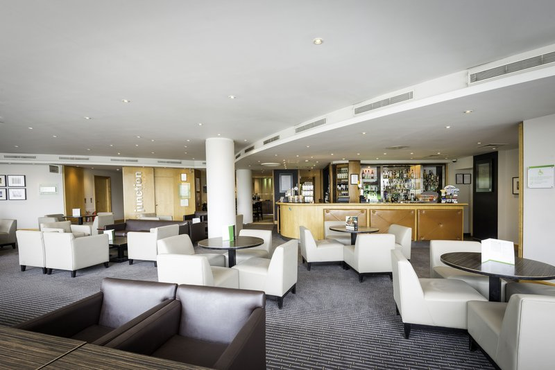 Holiday Inn Oxford-Lounge and Bar<br/>Image from Leonardo