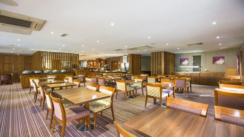 Holiday Inn Nottingham-Eaton's Brasserie serves freshly prepared food<br/>Image from Leonardo