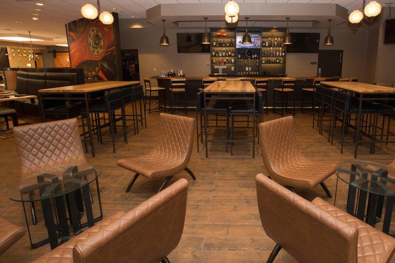 Holiday Inn Dayton/Fairborn I-675-Bar and Lounge<br/>Image from Leonardo