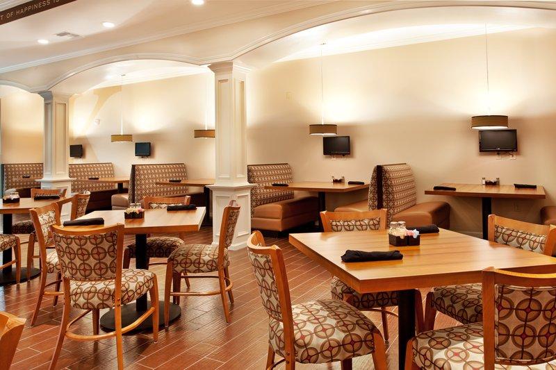 Holiday Inn Hotel & Suites Lake Charles South-Kem's Restaurant<br/>Image from Leonardo