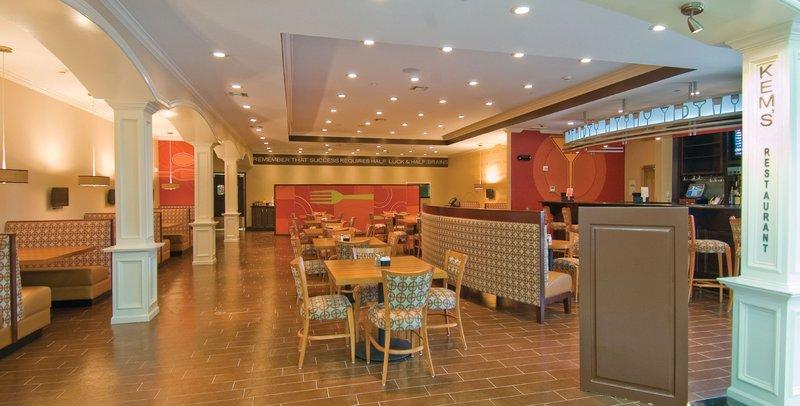 Holiday Inn Hotel & Suites Lake Charles South-Kem's Restaurant & Lounge<br/>Image from Leonardo