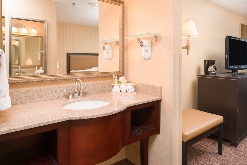 Holiday Inn Express Wenatchee-Standard Guest Bathroom<br/>Image from Leonardo