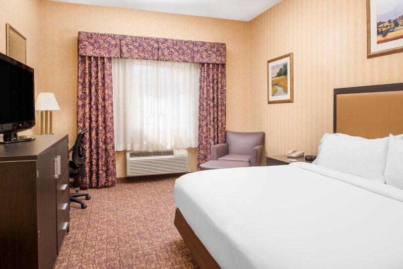 Holiday Inn Express Wenatchee-ADA/Hearing accessible King Guest Room<br/>Image from Leonardo