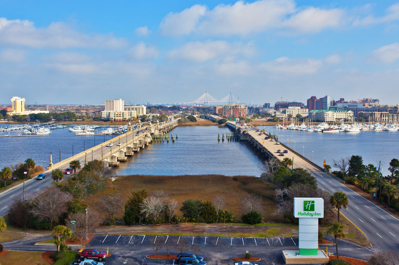 Holiday Inn Charleston-Riverview-Views of the Charleston Harbor!<br/>Image from Leonardo