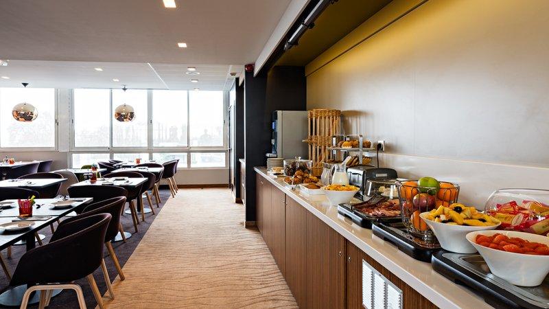 Holiday Inn Reims Centre-Breakfast Area<br/>Image from Leonardo