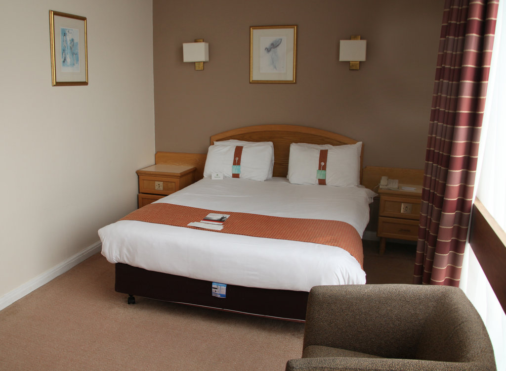 Holiday Inn Doncaster A1(M), Jct 36-Holiday Inn Doncaster A1M Jct36 Double Standard Room<br/>Image from Leonardo