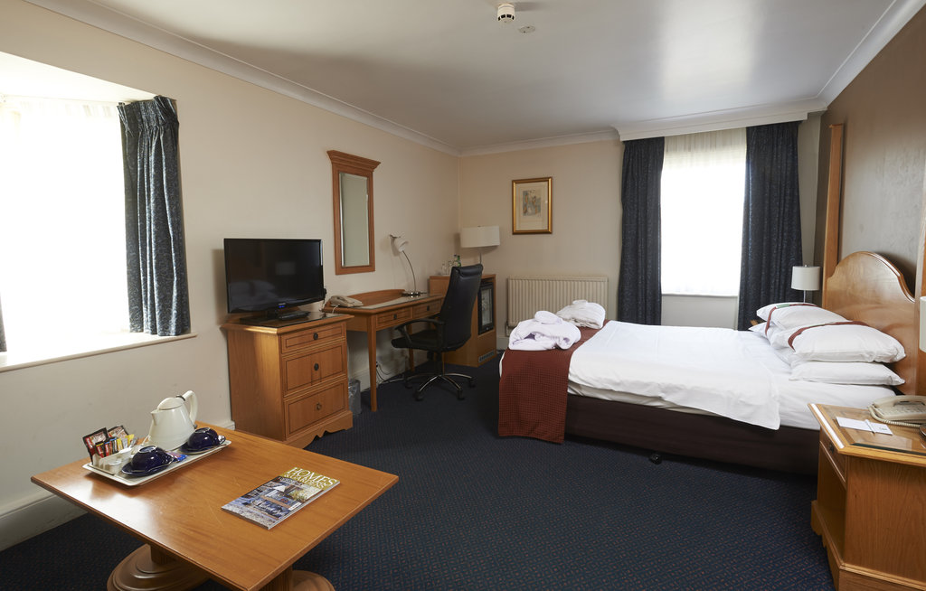 Holiday Inn Doncaster A1(M), Jct 36-Executive Room at the Holiday Inn Doncaster A1M Jct 36<br/>Image from Leonardo