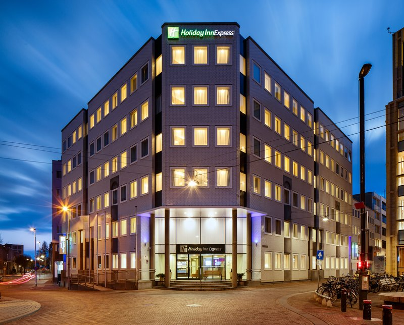 Holiday Inn Express Arnhem-Hotel Exterior Dusk<br/>Image from Leonardo