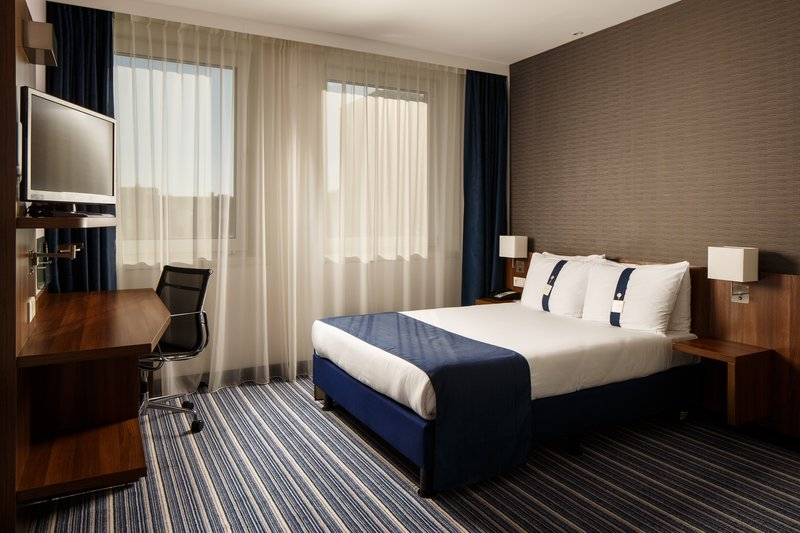Holiday Inn Express Arnhem-Relaxing Double Standard Nonsmoking Room<br/>Image from Leonardo