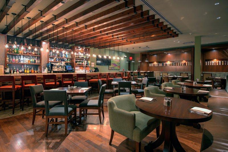 Crowne Plaza Lombard Downers Grove-Glen Prairie Bar and Lounge<br/>Image from Leonardo