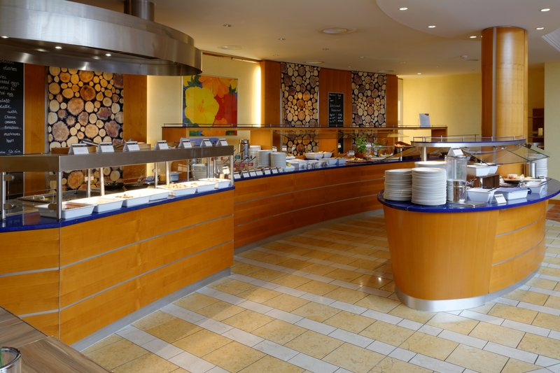Crowne Plaza Heidelberg City Centre-Buffet<br/>Image from Leonardo