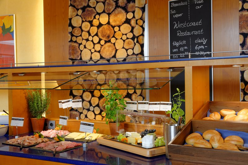 Crowne Plaza Heidelberg City Centre-extensive breakfast selection<br/>Image from Leonardo