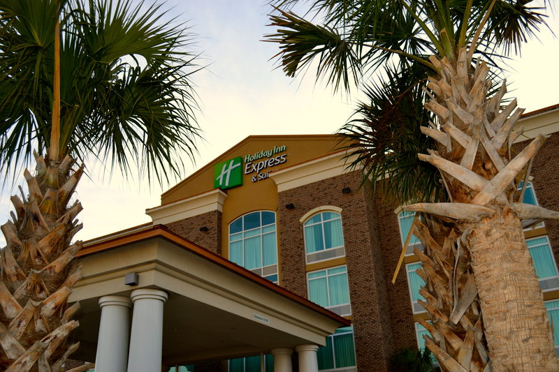Holiday Inn Express Hotel & Suites Charleston Apt-Conv Ctr-Our hotel is located near Johnson Controls, Hagemeyer, Clemson<br/>Image from Leonardo