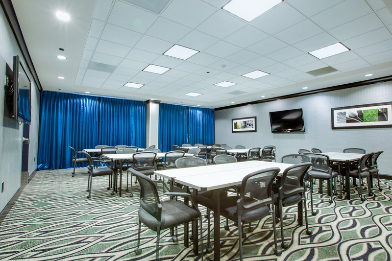 Holiday Inn Express Hotel & Suites Charleston Apt-Conv Ctr-Meeting Room<br/>Image from Leonardo