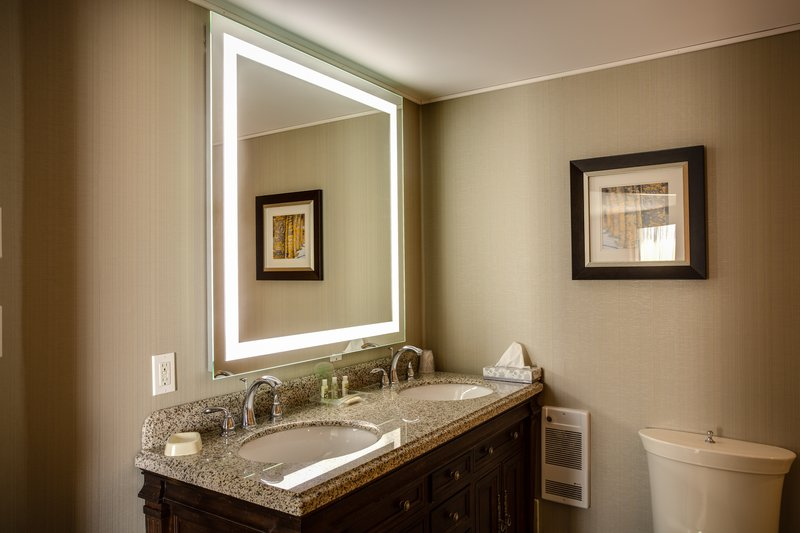 Holiday Inn Sudbury-Our Spacious Bathrooms Include Ambient, Energy Efficient Lighting<br/>Image from Leonardo