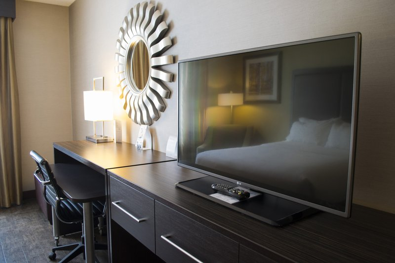 Holiday Inn Sudbury-LED HDTV's, Workstation and Free WiFi in all Guest Rooms<br/>Image from Leonardo
