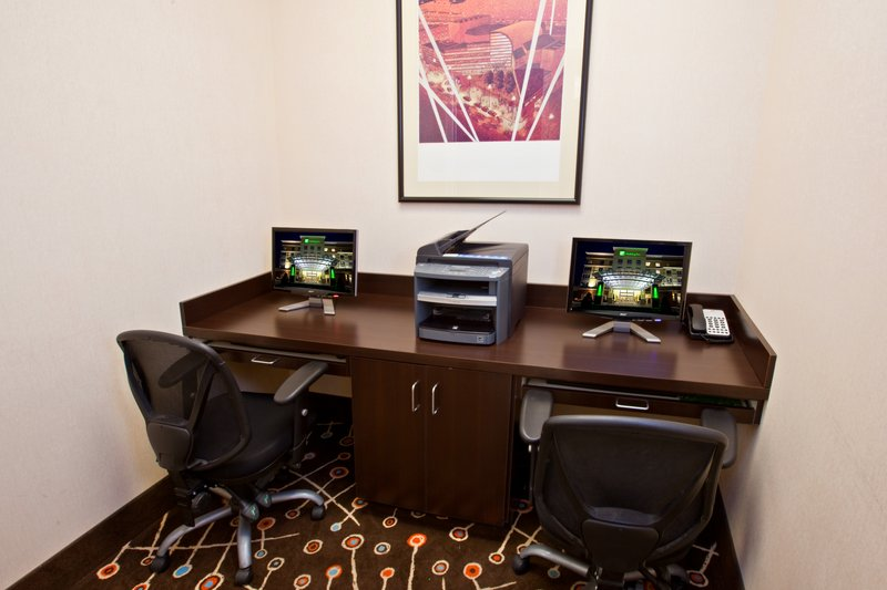 Holiday Inn Louisville Airport - Fair/Expo-Business Center<br/>Image from Leonardo