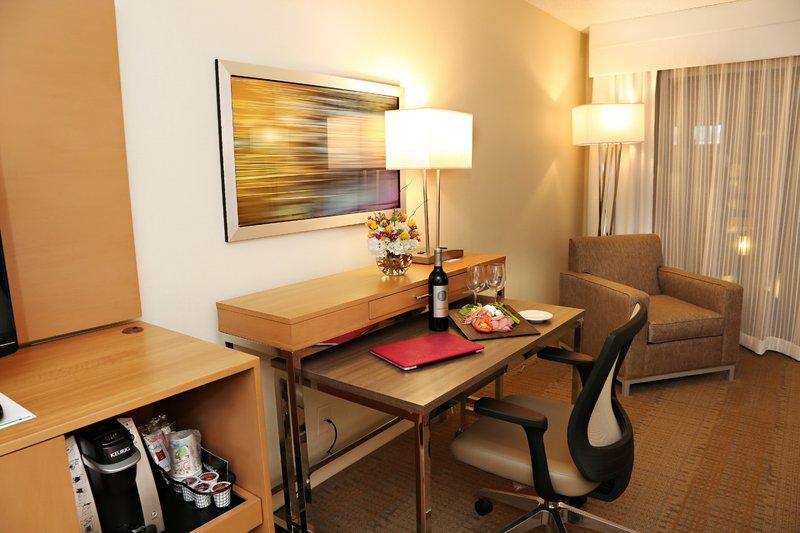 Holiday Inn Mansfield-Foxboro Area-Newly Renovated Guest Rooms at Holiday Inn Mansfield - Foxboro<br/>Image from Leonardo