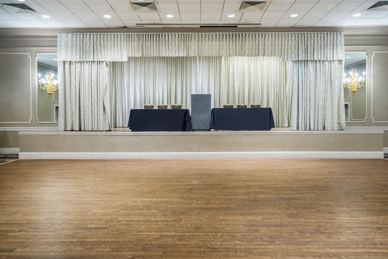 Holiday Inn Mansfield-Foxboro Area-Ballroom at Holiday Inn Mansfield-Foxboro<br/>Image from Leonardo