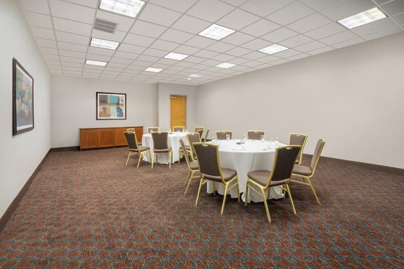 Holiday Inn Mansfield-Foxboro Area-Meeting Room at Holiday Inn Mansfield-Foxboro<br/>Image from Leonardo