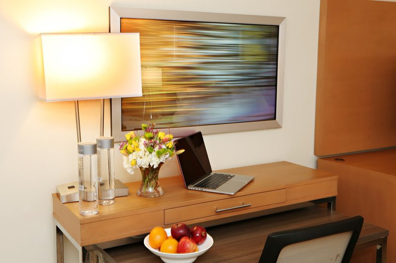Holiday Inn Mansfield-Foxboro Area-Newly Renovated Guest Rooms have plenty of room to work<br/>Image from Leonardo
