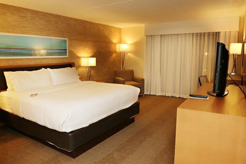 Holiday Inn Mansfield-Foxboro Area-Newly Renovated King Guest Room at Holiday Inn Mansfield - Foxboro<br/>Image from Leonardo