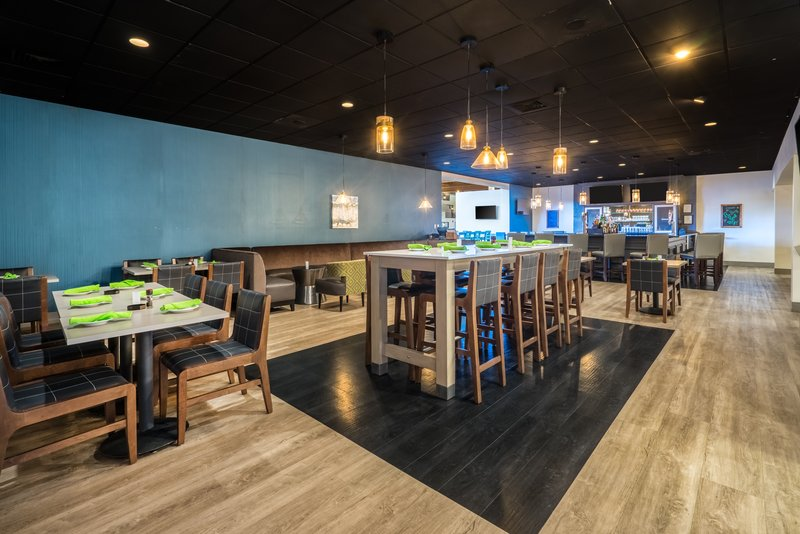 Holiday Inn Mansfield-Foxboro Area-Bristol Grill Bar at Holiday Inn Mansfield-Foxboro<br/>Image from Leonardo