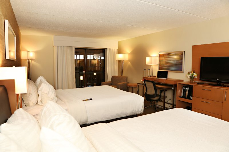 Holiday Inn Mansfield-Foxboro Area-Newly Renovated Guest Room with 2 Queen Beds<br/>Image from Leonardo