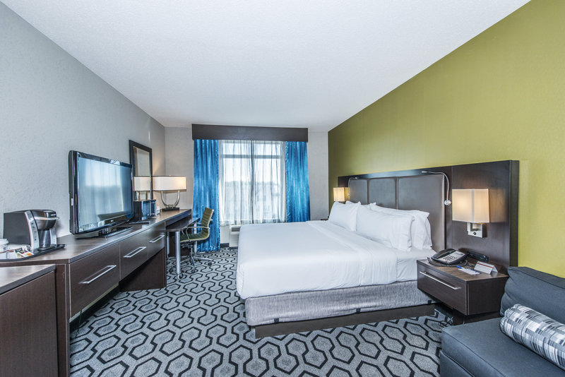 Holiday Inn Express Hotel & Suites Charleston Apt-Conv Ctr-King Bed Guest Room<br/>Image from Leonardo