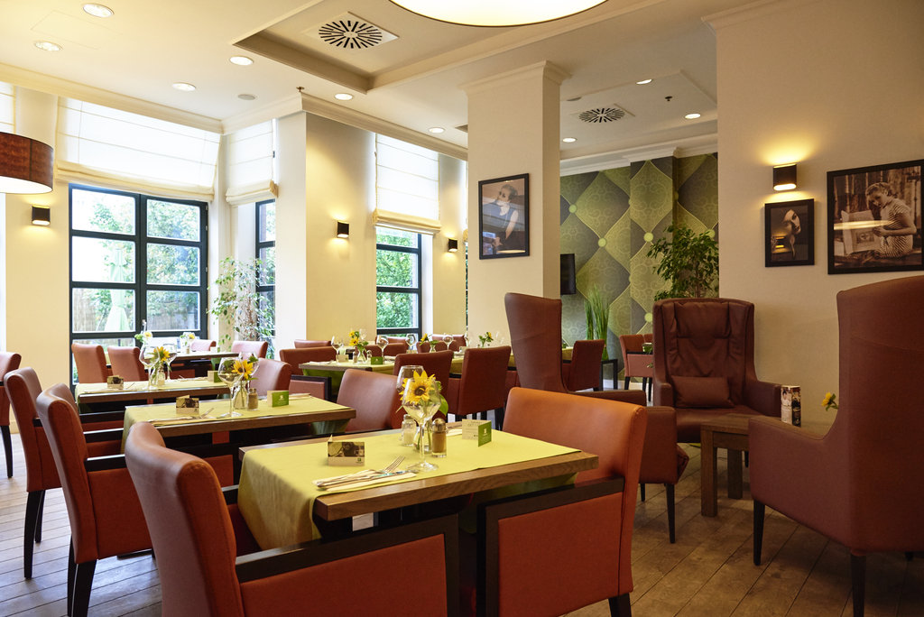 Holiday Inn Brussels - Schuman-Brasserie - serving lunch and dinner<br/>Image from Leonardo