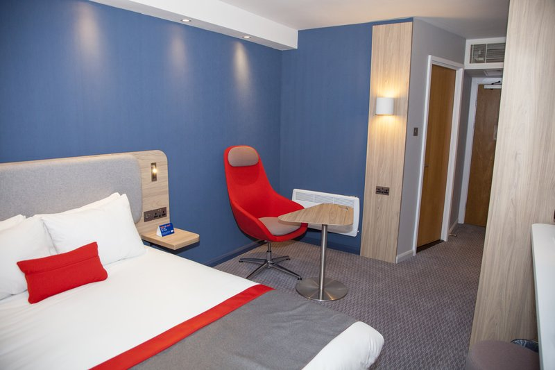 Holiday Inn Express Cardiff Bay-Great workspace with convenient power points and USB in each room<br/>Image from Leonardo