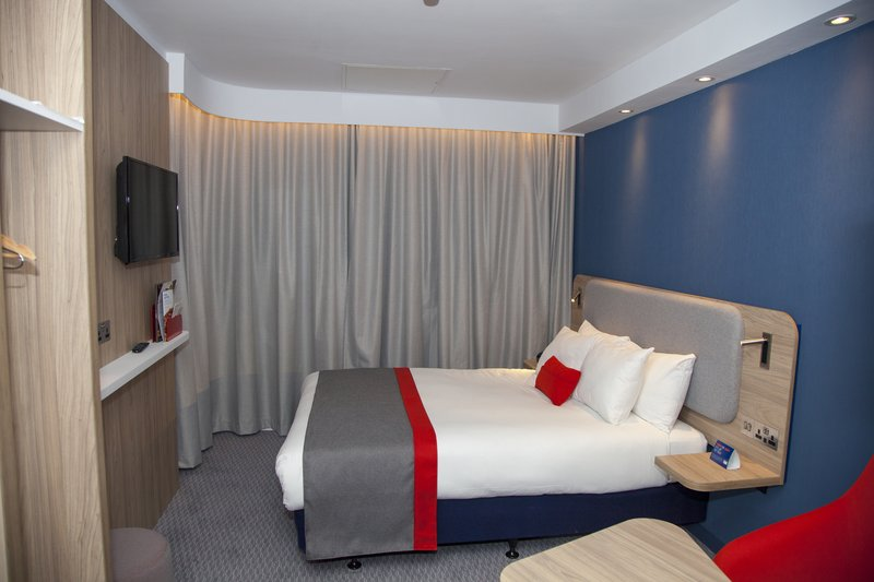 Holiday Inn Express Cardiff Bay-Newly refurbished spacious double bed with free Wi-Fi and breakfas<br/>Image from Leonardo
