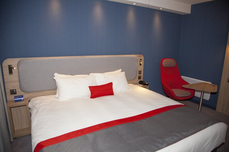 Holiday Inn Express Cardiff Bay-Choose 2 singles or king size. Accessible free Wi-Fi and breakfast<br/>Image from Leonardo