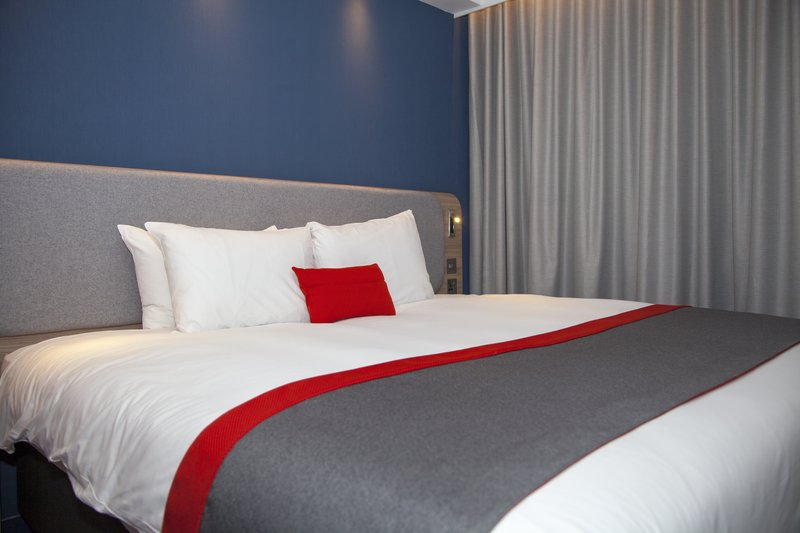 Holiday Inn Express Cardiff Bay-Your choice of soft or firm pillows - free wifi and breakfast <br/>Image from Leonardo