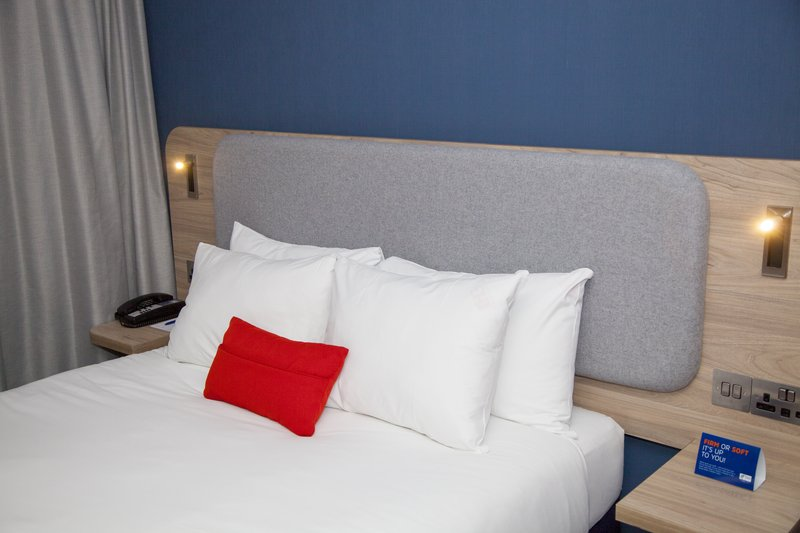Holiday Inn Express Cardiff Bay-Your choice of soft or firm pillow. Handy USB and power sockets<br/>Image from Leonardo