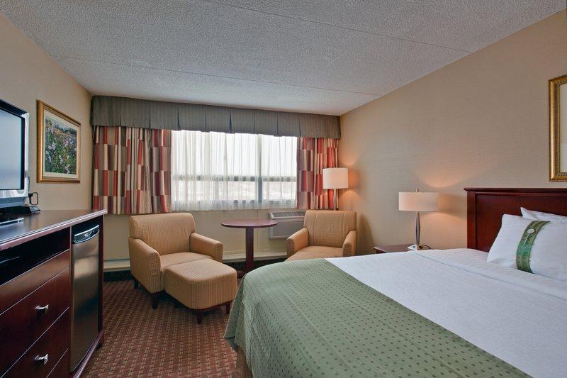 Holiday Inn St. John's Conference Centre-King size standard<br/>Image from Leonardo