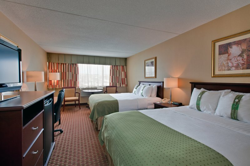 Holiday Inn St. John's Conference Centre-Spacious Queen room<br/>Image from Leonardo