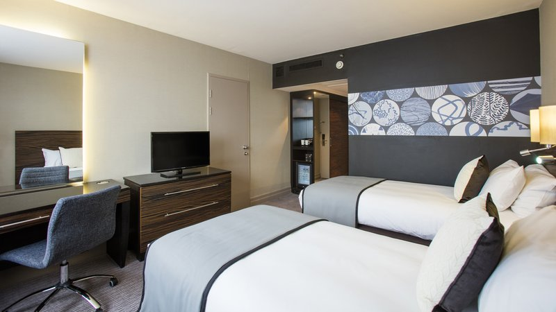 Crowne Plaza Glasgow-Twin - 2 Single Beds Guest Room<br/>Image from Leonardo