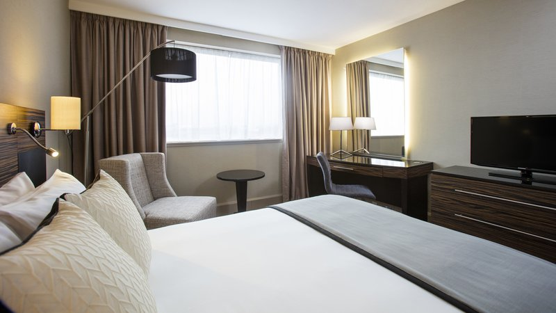 Crowne Plaza Glasgow-Guest Room<br/>Image from Leonardo