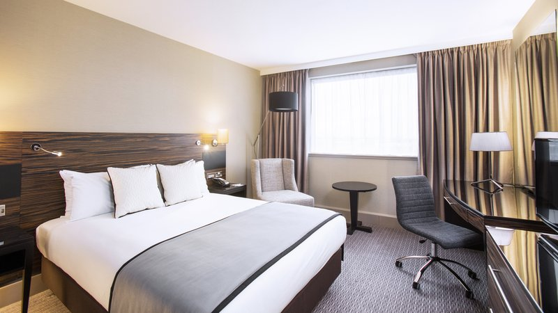 Crowne Plaza Glasgow-King Bed Guest Room<br/>Image from Leonardo