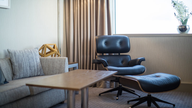 Crowne Plaza Glasgow-One king bedroom suite<br/>Image from Leonardo