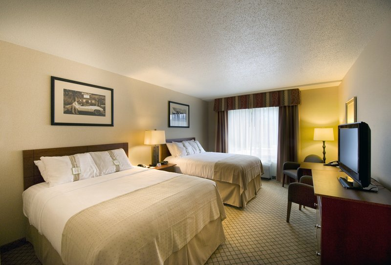 Holiday Inn Ft. Wayne-IPFW & Coliseum-DoubleQueen Bed Guest Room<br/>Image from Leonardo