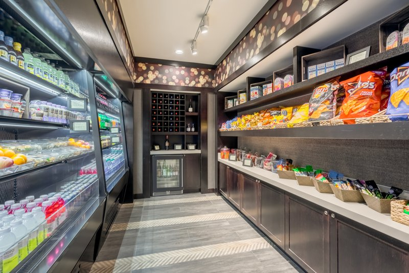 Crowne Plaza Annapolis-Welcome to our Corner Pantry, Find what you need!<br/>Image from Leonardo